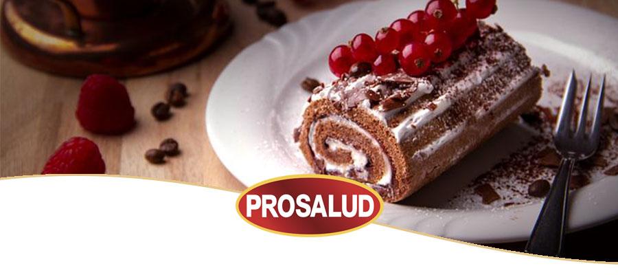 Bizcocho de chocolate fácil con nata